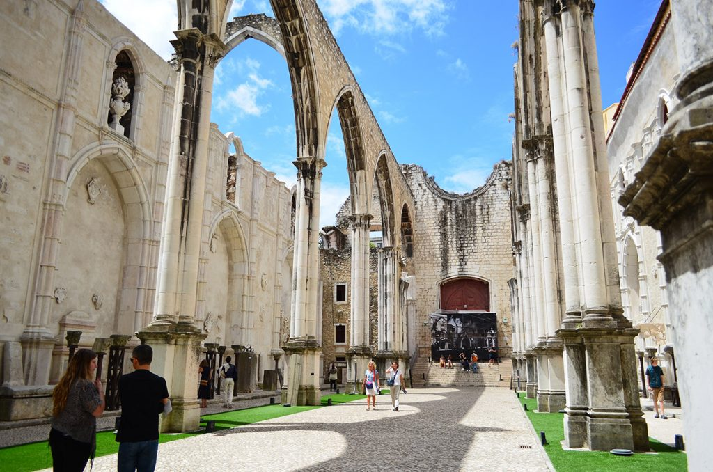 lisabona catedrala manastirea carmos